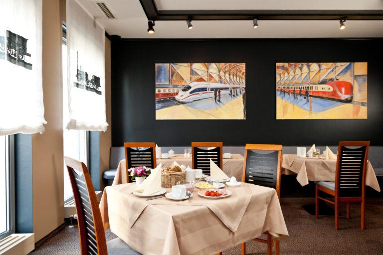 Ein Blick auf das Hotel-Restaurant in Bahnhofsnähe