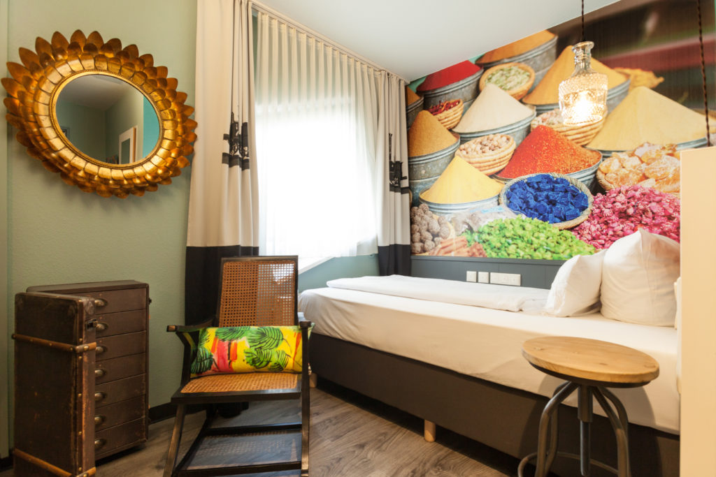 Hotelzimmer in orientalischem Design am Hauptbahnhof in Nürnberg